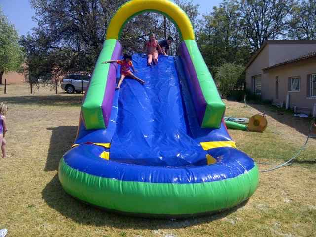 Waterslide with pond inflatable